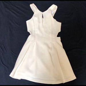 White dress BCBGeneration